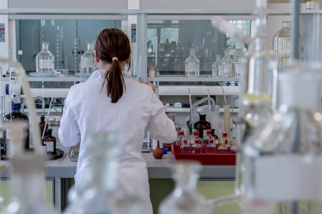 sabinwords_laboratory-2815641_1920