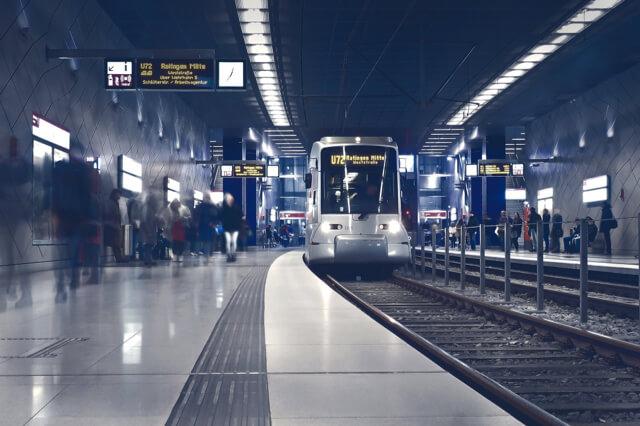 sabinwords_metro-2942353_1920
